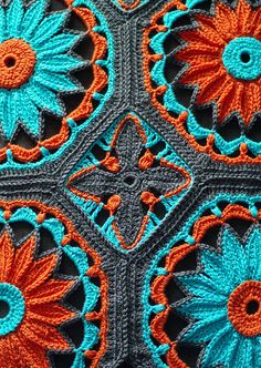 Crochet Daisy Cathedral Afghan Pattern Mary,Jesus and Joseph! I think I just found another crochet afghan for MYSELF! Diy Tricot Crochet, Crochet Daisy, Mode Crochet, Crochet Afgans, Manta Crochet, Crochet Crafts, Crochet Flowers, Crochet Projects, Crochet Blankets