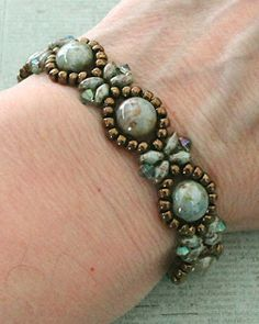 Linda's Crafty Inspirations: Bracelet of the Day: Sunflower Bracelet - Chalk Lumi Green Seed Bead Bracelets, Seed Bead Jewelry, Pandora Bracelets, Beaded Jewelry, Jewelry Bracelets, Seed Beads, Beaded Necklaces, Jewellery, Perler Beads