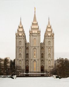 Picture of Salt Lake City Temple Warming Reflection India Architecture, Ancient Greek Architecture, Gothic Architecture, India Palace, Salt Lake Temple, Lds Temples, Grand Mosque, Mayan Ruins, Angkor Wat
