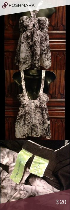 Johnny Martin Sleeveless Blouse Excellent condition beautiful sleeveless blouse. Fully lined with side zipper! Johnny Martin Tops Blouses