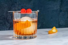 Dress up your favorite bourbon or rye whiskey with the old-fashioned cocktail. Get a taste for how this simple drink recipe has changed over a century. Whiskey Old Fashioned, Old Fashioned Glass, Old Fashioned Cocktail, Easy Drink Recipes, Cocktail Recipes, Appetizer Recipes, Cocktails, Appetizers, Sugar Free Alcohol