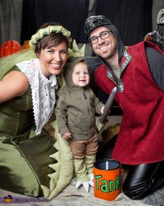 DIY matching costumes for babies and parents - Dragon, Knight and Princess Costume Primer Halloween, Homemade Halloween Costumes, Halloween Costume Contest, Family Halloween Costumes, Cute Costumes, Baby Costumes, Halloween Fun, Costume Ideas, Fairy Tale Costumes