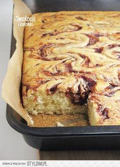 Smakocie and Łakołyki: Yogurt cake with plum jam Yogurt Recipes, Baking Recipes, Cookie Recipes, Dessert Recipes, Delicious Desserts, Yummy Food, Swirl Cake, Vegetarian Pasta Recipes, Plum Jam