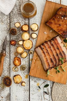 Juustokuminapaahdettu porsaankylki on hyvä esimerkki ruuasta, joka paranee sitä mukaa, mitä hitaammin se valmistuu.