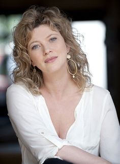 Candice Renoir, Star Francaise, Sexy Women, Tv Girls, Cinema Actress, French Beauty, French Actress, Great Women, Studio Portraits