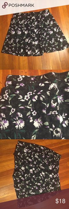 Floral Skirt Floral skater skirt from American Eagle. It's never been worn American Eagle Outfitters Skirts Circle & Skater
