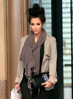"Make-up and attire that say ""I spent hours getting ready"" + hair that says ""I rolled out of bed"" = effortless messy glam chic. Thanks Kim K"