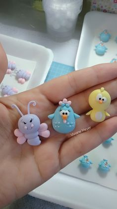 Cute Polymer Clay, Polymer Clay Miniatures, Polymer Clay Projects, Fun Crafts For Kids, Art For Kids, Handmade Crafts, Diy And Crafts, Clay Magnets, Frog Crafts