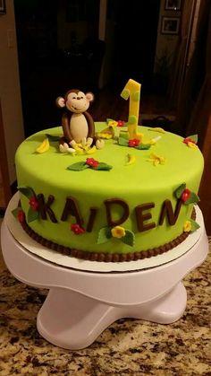 Monkey and bananas cake