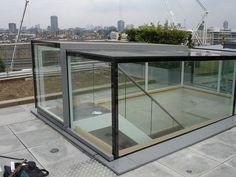 Dakterras. Glazing Vision Europe (Product) - Elektrisch dakluik Sliding Box, toegang voor dakterras, daktuin en groendak - architectenweb.nl: