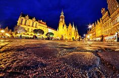 Old Market Square, Wroclaw, Poland.  http://wroclaw.awesomepoland.com/ #wroclaw #poland