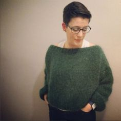 Free Pattern Oversized Women's Sweater Very Easy In Mohair Wool – By Small Choux Source by Pull Crochet, Knit Crochet, Knitting Yarn, Knitting Patterns, Sewing Online, Mohair Sweater, Sewing Projects, Fabric, Sweaters