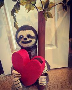 Sloth Valentine's Day box For emma Valentine Boxes For School, Valentines For Kids, Valentine Day Cards, Valentine Crafts, Diy Valentine's Mailbox, Diy Valentine's Box, Sloths, Valentine's Day Diy, 3