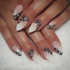 Long gel nails with nice leo detail - LadyStyle