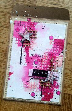 Magnifiques cartes de Watashi pour Graffiti Girl , style grunge, freestyle patouille mixed media , tâche travaille de fond de page , bonne année, étoiles, grillage, encre, tampons,