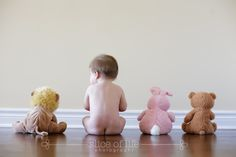 6 month picture idea I love this... How long before bubbie pees on my floor lol