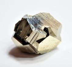 Pyrite (by fluor_doublet)