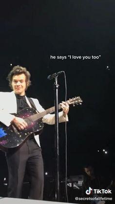 Harry Styles Eyes, Harry Styles Funny, Harry Styles Baby, Harry Styles Pictures, Harry Edward Styles, Another Man Harry Styles, Harry Styles Crying, Harry Styles Girlfriend, Harry Styles Facts