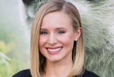 Kristen Bell, Anna Faris, and so Many Other Celebs Read the Most Insane Texts From Their Moms on Jimmy Kimmel Anna Faris, Jimmy Kimmel Live, Kristen Bell, Celebs, Celebrities, How To Find Out, Attention Grabbers, One Piece, Grandmothers