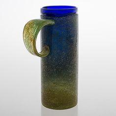 """Oiva Toikka, maljakko. """"Piennar"""", signeerattu Oiva Toikka, Nuutajärvi. - Bukowskis Glass Design, Design Art, Bukowski, Finland, Modern Contemporary, Retro Vintage, Helmet, Mid Century, Mugs"""