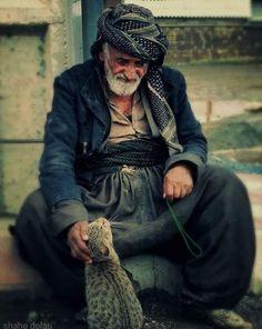 Anadolu'nun emektar insanları - 2. resim My People, People Around The World, Iran Pictures, Elderly Person, Turkish People, World Of Color, Life Photo, Interesting Faces, Old Men