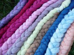 Kammzüge - Merino pflanzengefärbt Kammzug Filzwolle Wolle - ein Designerstück von Waldweide bei DaWanda
