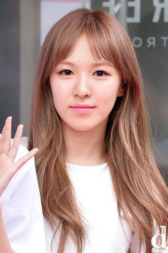 Wendy Red Velvet, Korean Beauty, New Girl, Hair Designs, Asian Girl, Beautiful, Girls, Dancing Girls, Singers