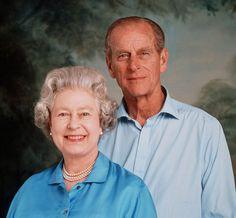 Queen Elizabeth II and Prince Phillip. Very nice picture for Queen Elizabeth II. English Royal Family, British Royal Families, Elizabeth Philip, Queen Elizabeth Ii, Prinz Philip, Queen And Prince Phillip, Die Queen, Royal Families, Queens