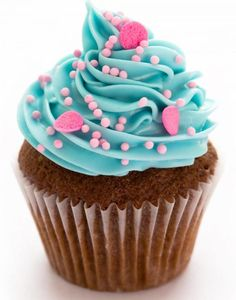 You can prepare delicious cupcakes with birthday cupcake recipes. Making a cupcake is quite easy. From this article, both cupcakes . Best Picture For kids. Blue Cupcakes, Pretty Cupcakes, Yummy Cupcakes, Birthday Cupcakes, Birthday Menu, Sprinkle Cupcakes, Vanilla Cupcakes, Cupcake Toppings, Cupcake Recipes
