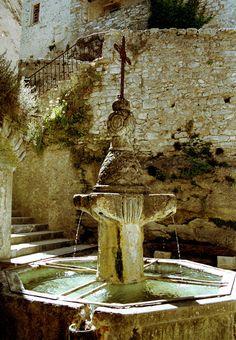 Fountain in Provence France| Flickr - Berbagi Foto!