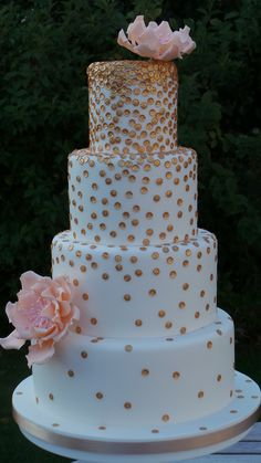 Golden sugar sequin wedding cake