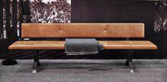 Bank LAX - mit Rückenlehne, 240 cm, Leder 2 Farbe 2600, Gestell: Edelstahl gebürstet