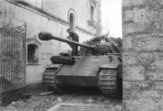 SS Panther with cover over gun, plus camoflage #worldwar2 #tanks