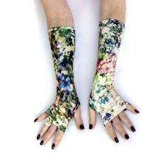 Summer Hill Fingerless gloves mittens arm warmers  by WearMeUp