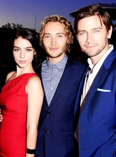 Adelaide Kane, Torrance Coombs, & Toby Regbo.....ohhhhh Toby