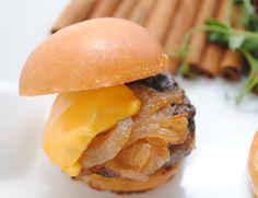 #cateredbydesign #cater #caterchicago #catering #Chicago #chicagocaterer #food #chicagofood #wedding #chicagowedding #weddingfood #foodchicago #horsdoeuvres #appetizers #miniburger #petiteburger #cheeseburger #mini #petite #latenightsnack #yum #cutefood #cute