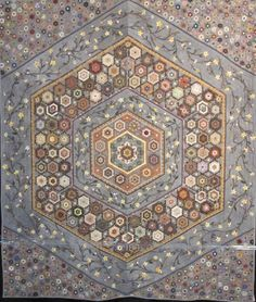 Bright Hopes Quilting: Oh man..... Keiko Hasegawa Made This Quilt.   Hexagons about dime sized!