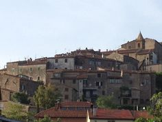 Tatti is a medieval village among the Metalliferous Hills. #maremma #tuscany #hamlets