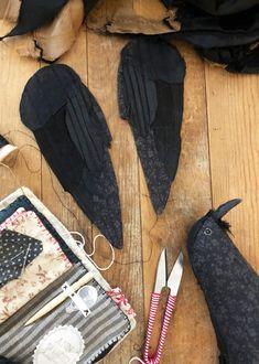 abandoned quilt tops and stitched crows – ann wood handmade Fabric Birds, Fabric Art, Fabric Flowers, Stuffed Animal Patterns, Diy Stuffed Animals, Nancy Zieman, Textiles, Anna Wood, Bird Template