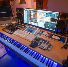 Planning to set up a Music Station? – Check Out this Setup! Credit: setup… Planning to set up a Music Station? – Check Out this Setup! Recording Studio Setup, Home Studio Setup, Music Studio Room, Audio Studio, Studio Desk, Home Office Setup, Dream Studio, Music Rooms, Home Studio Musik