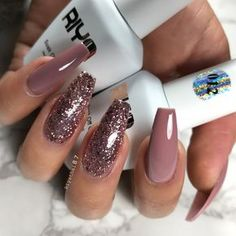65 Amazing Glitter Acrylic Nail Art Designs for Holiday Parties Nails Design Nageldesign Fall Acrylic Nails, Cute Acrylic Nails, Cute Nails, Pretty Nails, Acrylic Art, Rose Gold Nails, Glitter Nails, Blush Nails, New Year's Nails