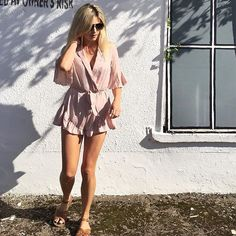 A beautiful evening in Dingle with screaming kids at dinner 😆😆😆 But you know, got to wear the  playsuit 😂 http://liketk.it/2skQ7  @liketoknow.it    #Regram via @eimearvarianbarry