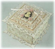 Spellbinders Square Fleur-de-Lis Box | Dimensional Projects | Paper Crafting Projects | Tara's Craft Studio