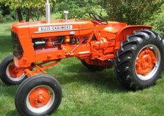 Allis Chalmers tractor- we can never have to many AC's in the family. Antique Tractors, Vintage Tractors, Old Tractors, Vintage Farm, Lawn Tractors, Farmall Tractors, Old Farm Equipment, Heavy Equipment, Lawn Mower Tractor