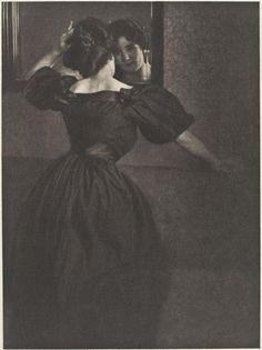 Girl with Mirror - Heinrich Kühn - c. January 1906
