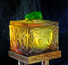 Cast Glass Frog and Leaf Box-OOAK by BeachwalkerBoxes on Etsy