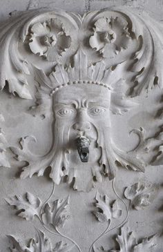 Rare carved stone wall fountain with Green Man and dolphins decor, century - Fountains and wells Stone Bench, Garden Fountains, Stone Walls, Architectural Antiques, Antique Decor, Acanthus, Romanesque, Green Man, Garden Ornaments