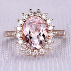 Stunning Engagement Rings - Create An Unforgettable Moment