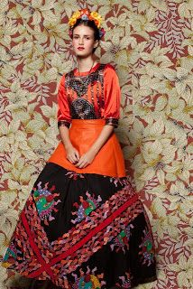 Styling inspired by Frida Kahlo. Mexican Fashion, Mexican Style, Ethnic Fashion, Colorful Fashion, High Fashion, Mexican Dresses, Folklore, Belle Photo, Editorial Fashion