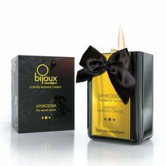 Ingenting er som varme hender som bare vil deg vel. Nydelige massasjelys fra Bijoux Cosmetiques gir både duft og sensualitet og atmosfære i rommet. http://www.esensual.no/bijoux-massage-candle/